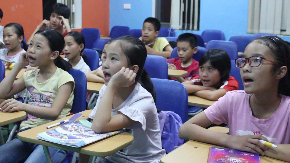 Lợi ích mà tiếng Anh mang lại khi cho trẻ học sớm thứ ngôn ngữ này là gì?