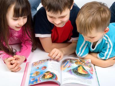 Dạy bé học tiếng Anh qua truyện mang lại nhiều lợi ích