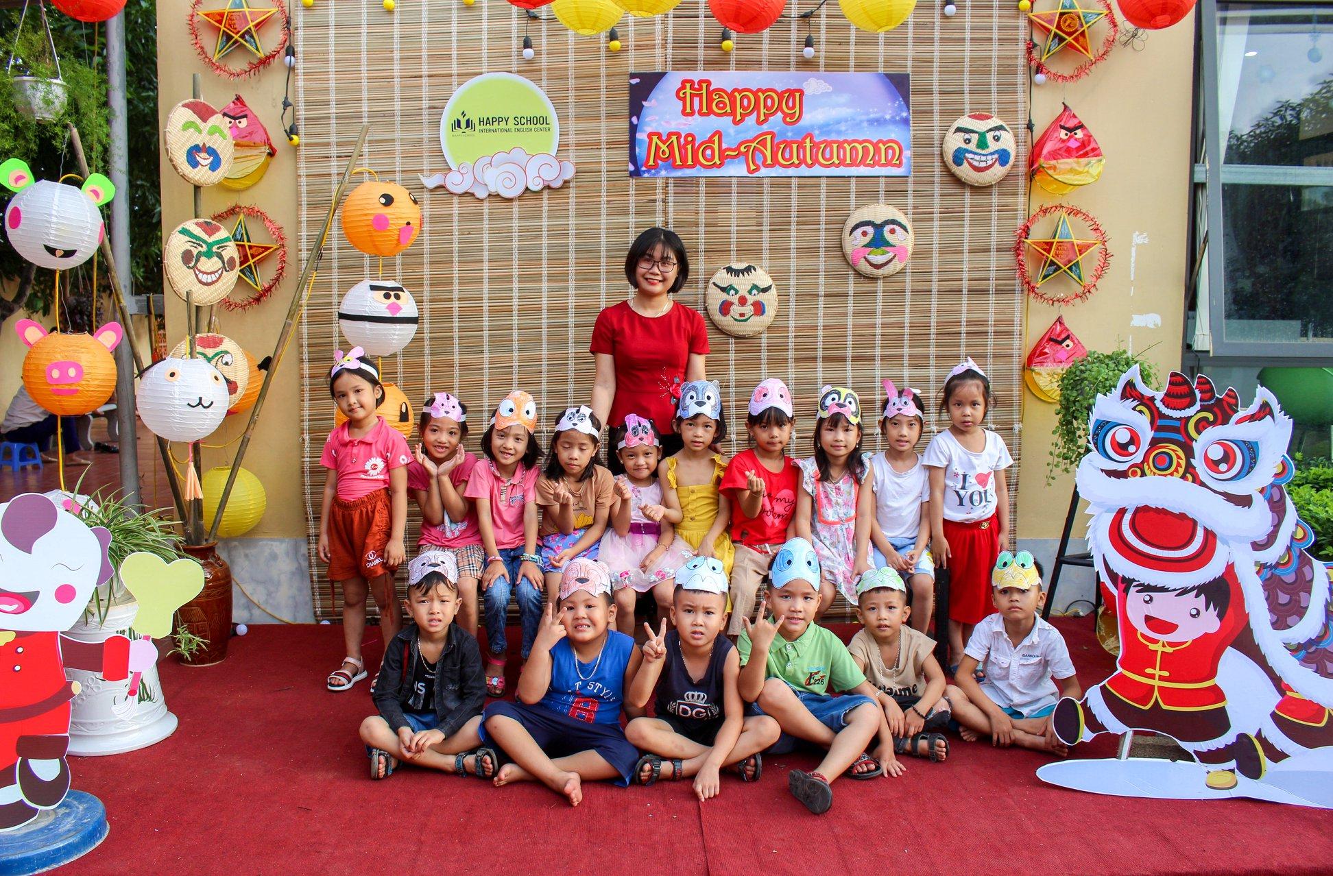 Vui lễ hội trăng rằm – Sống lại không gian tuổi thơ cùng Happy School