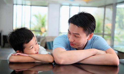 Những câu nói tiếng anh bố mẹ hay nói với con
